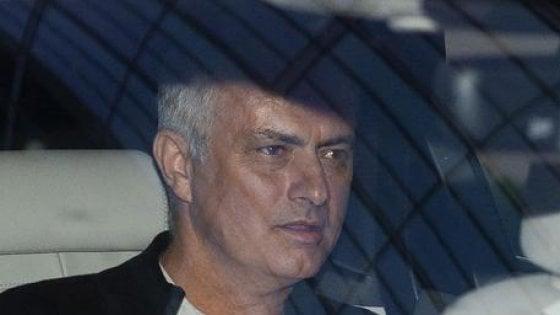 Benfica, Mourinho respinge l'offerta: non sostituirà Rui Vitoria