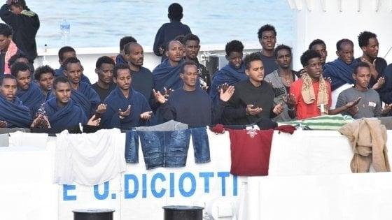 """Migranti: """"Qui è guerra con Malta"""". Dagli atti del tribunale dei ministri i segreti della nave Diciotti"""