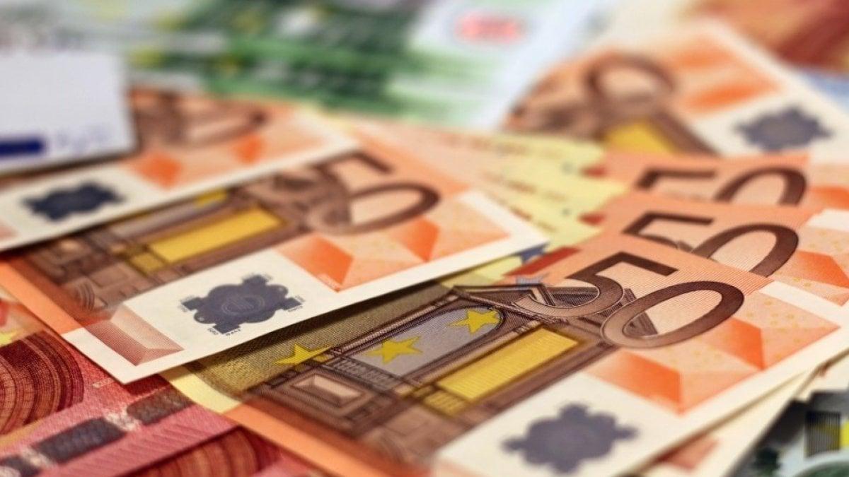 Istat: aumenta la pressione fiscale e cala il potere d'acquisto delle famiglie