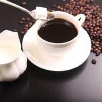 Il dolcificante nel caffè non fa miracoli
