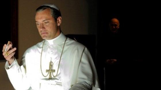 'The new Pope', ciak a Venezia per la serie di Sorrentino. Le prime immagini del cardinale Silvio Orlando