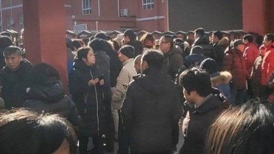 Cina, venti bambini aggrediti in una scuola elementare di Pechino
