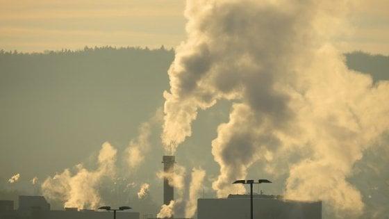 L'inquinamento abbatte la produttività: lo studio nelle fabbriche cinesi