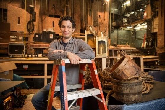 New York, le star del musical Hamilton salvano la libreria teatrale
