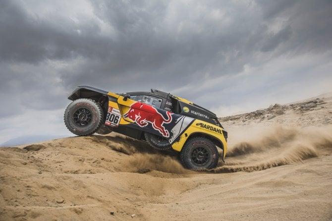 Dakar, seconda Tappa, prima vittoria per Peugeot con Loeb e Elena