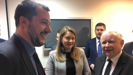 Sea Watch, l'accordo scuote il governo. Vertice Salvini-Conte alle 23 a Palazzo Chigi