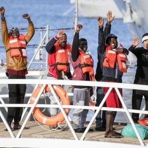 """Migranti, chiuso il caso tra Conte e Salvini. Il ministro: """"Ci siamo chiariti, c'è stato un fraintendimento"""""""