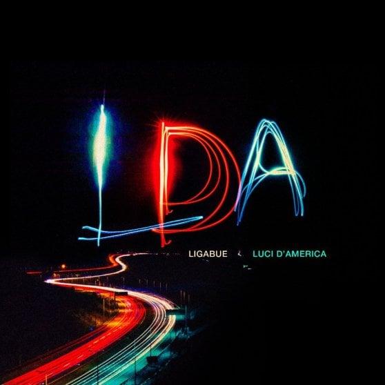 Ligabue, il ritorno a mezzanotte con un nuovo singolo. Poi gli stadi