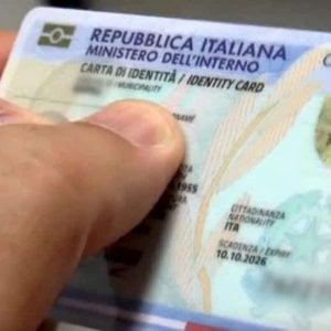 Carta d'identità elettronica, partenza flop: 450 comuni ancora non la rilasciano