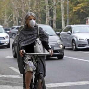 Polveri sottili, blocchi del traffico nelle città del Nord. A Padova boom di ricoveri per crisi asmatiche