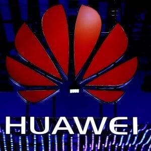 Polonia, blitz contro sospetta rete di spionaggio legata a Huawei