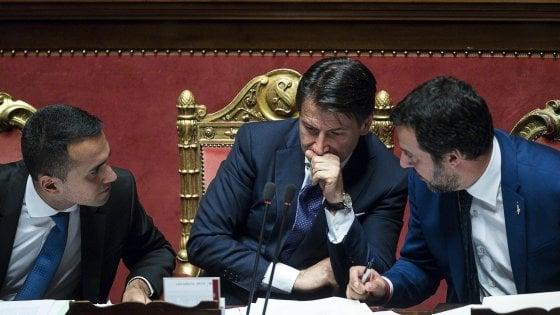 """Decreto sicurezza, Conte vede l'Anci. Salvini: """"Non cambia di una virgola"""". Tutte le divisioni in una settimana da resa dei conti"""