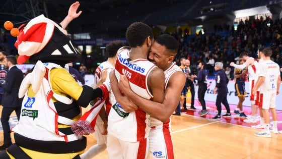 Basket, Pesaro batte Torino all'overtime
