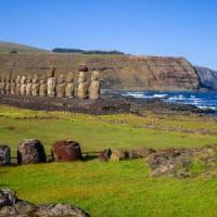 """Il mistero dell'Isola di Pasqua: """"Le statue costruite vicino alle fonti d'acqua dolce"""""""
