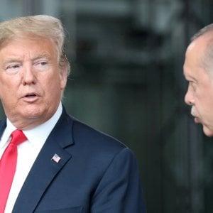 """Trump contro la Turchia: """"Distruggeremo la vostra economia se attaccate i curdi"""""""