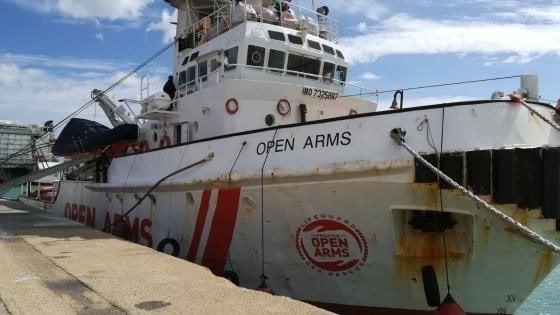 Migranti, anche in Spagna stretta sulle Ong: Open Arms bloccata a Barcellona