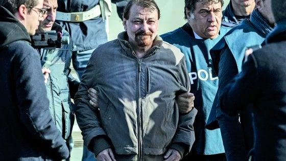 """Battisti, le prime parole nel carcere di Oristano: """"Sono malato, ora sono cambiato"""""""