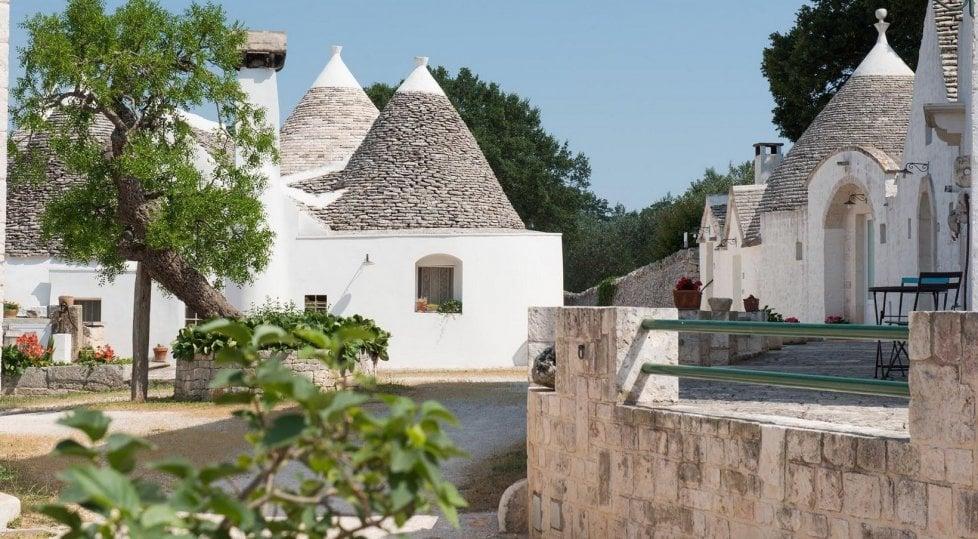 Di masseria in masseria  ecco la Valle d'Itria:  la Puglia più autentica