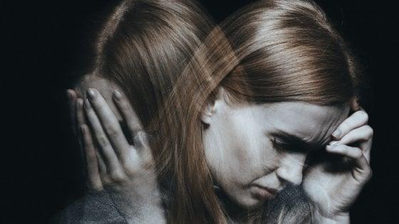 Donne più forti degli uomini nel dolore, lo ricordano meno