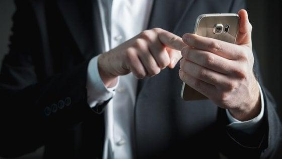 WhatsApp si sbloccherà con l'impronta digitale