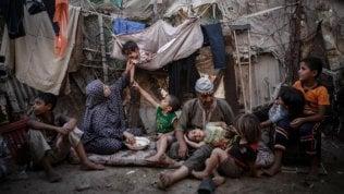 Gaza, aiuti economici per 6 mila famiglie serviranno per l'acquisto di coperte, vestiti e kit d'igiene