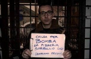 Napoli, bomba contro l'ingresso della storica pizzeria di Gino Sorbillo