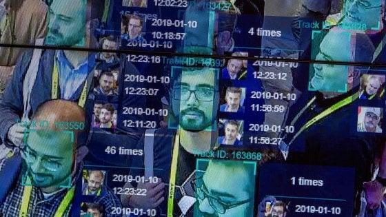 Riconoscimento facciale, appello ai big della Silicon Valley: non datelo ai governi