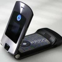 Motorola, operazione nostalgia: torna Razr, in versione pieghevole