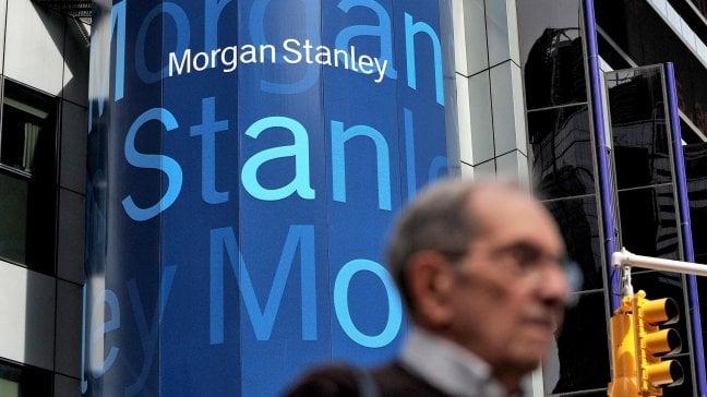 """Manager accusa l'ad di Morgan Stanley: """"Io licenziata dopo la maternità"""""""