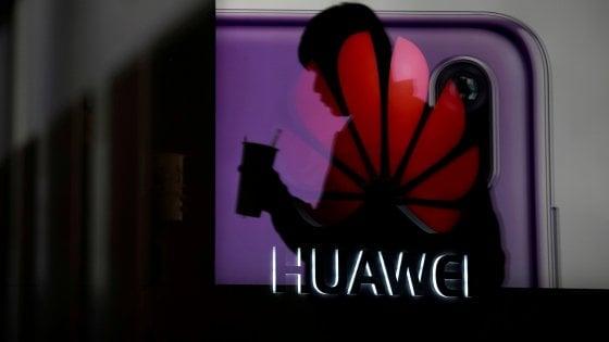 Sospetti di spionaggio su Huawei, anche la Germania pensa al bando dalla gara per il 5G