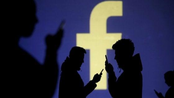 Facebook rimuove centinaia di pagine legate all