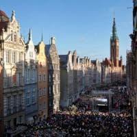 Migliaia a Danzica per dire addio al sindaco Adamowicz