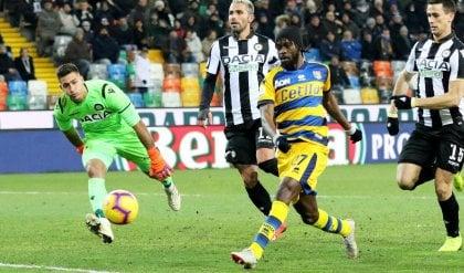 Freccia Gervinho trascina il Parma All'Udinese non basta Okaka: 1-2