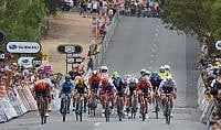 Tour Down Under: Ewan scorretto, sprint di Philipsen