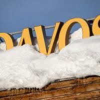 Parte Davos, Oxfam denuncia: