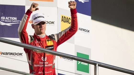 F1, Mick Schumacher sorprende ancora: batte Vettel in Messico