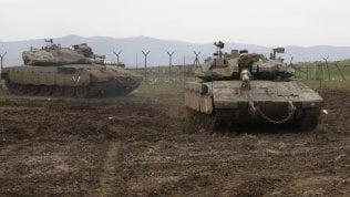 """Israele, raid sulla Siria: """"Stiamo attaccando le forze iraniane, non provate a colpirci"""""""