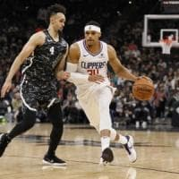 Basket, Nba: Clippers sbancano San Antonio, ok Indiana e Minnesota
