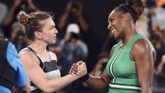Zverev è fuori, Serena Williams elimina la Halep. Djokovic ai quarti