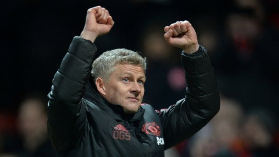 """Solskjaer, """"Baby face"""" ha i capelli grigi: ma con lui lo United è rinato"""
