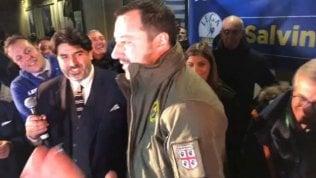 """Salvini indossa anche la divisa dei barracelli sardi. """"Ci dissociamo"""""""
