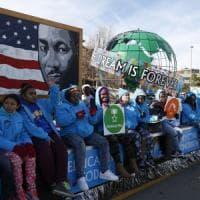 Usa, visita di 90 secondi al Memoriale di Martin Luther King: Trump fa di nuovo arrabbiare...