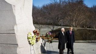 Visita di 90 secondi al Memoriale di Martin Luther King: Trump fa di nuovo arrabbiare l'America