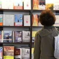 E due terzi dei lettori scelgono scrittori stranieri