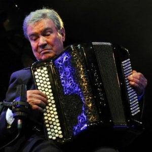 È morto Marcel Azzola, addio al re della fisarmonica, accompagnò i grandi della canzone francese