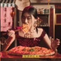 """Cina, si scusa la modella di Dolce e Gabbana: """"Mostrerò il mio Paese in una luce migliore"""""""