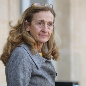 """Terrorismo, la Francia: """"Nessuna richiesta di estradizione dall'Italia"""". """"Non è vero"""", risponde il nostro ministero della Giustizia"""