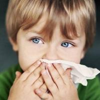 Raffreddore nei bimbi, negli Usa il 50% dei genitori punta su metodi non scientifici