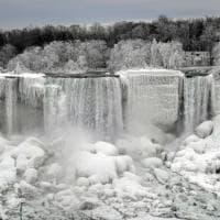 L'incredibile spettacolo delle cascate del Niagara ghiacciate