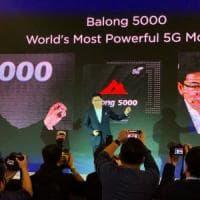 Huawei lancia il 5G. E lo smartphone pieghevole in arrivo fra un mese a Barcellona